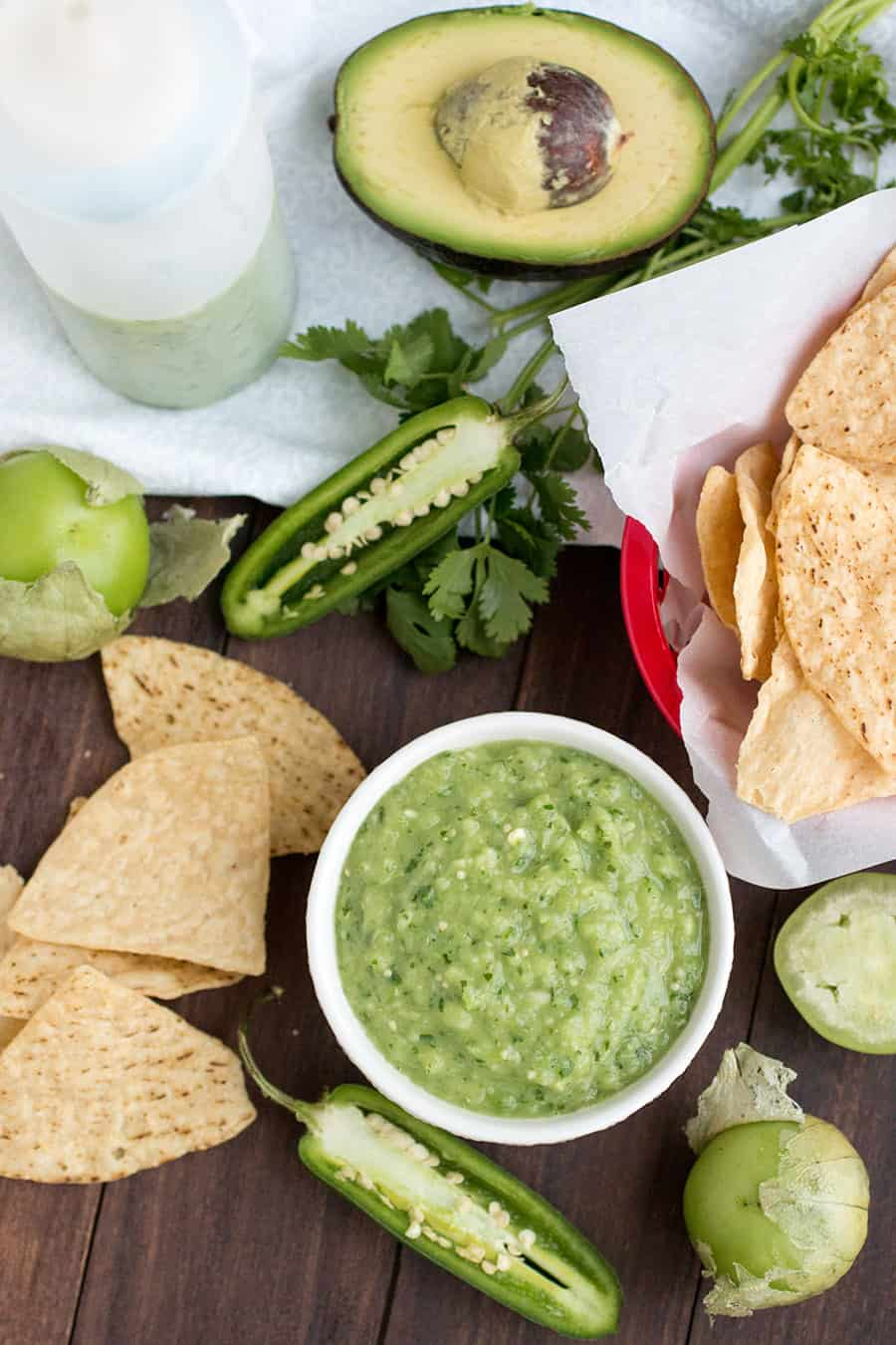 Avocado-Tomatillo Salsa Verde – Mexican Green Table Sauce