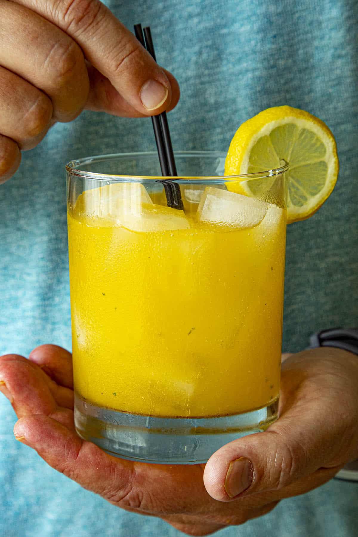 The Summer Heat Wave – A Fiery Mango-Habanero Cocktail