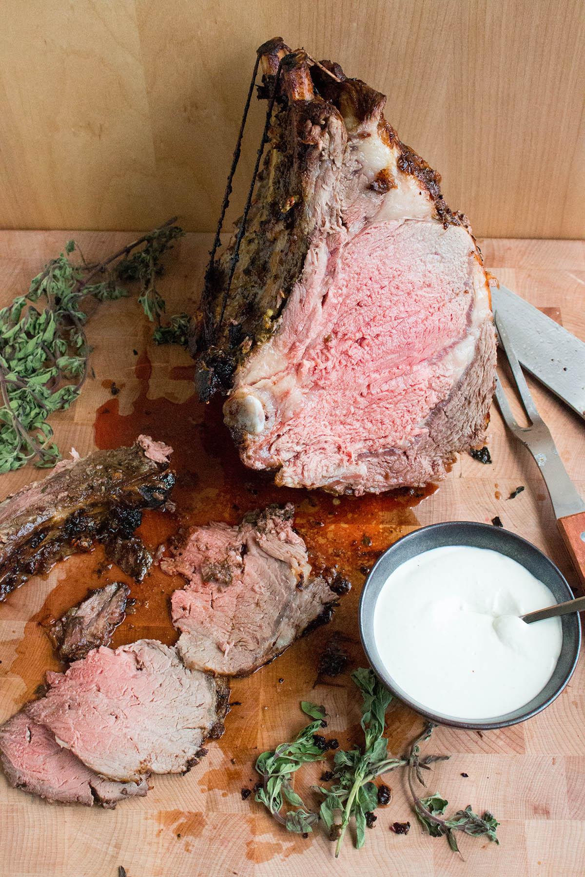Chili Rubbed Prime Rib Roast With Horseradish Cream Sauce
