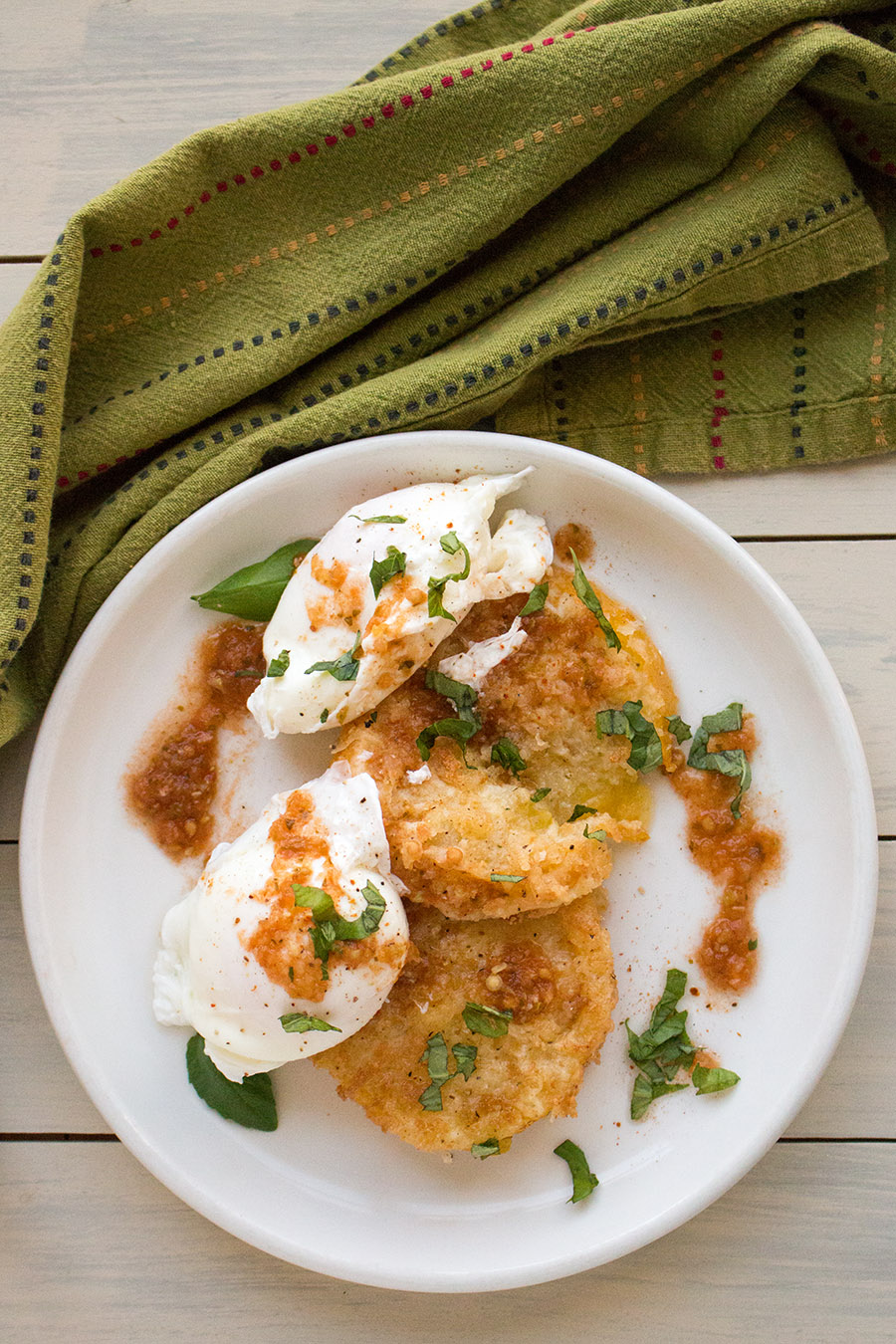 Fried Green Tomatoes with Poached Eggs and Basil – Recipe