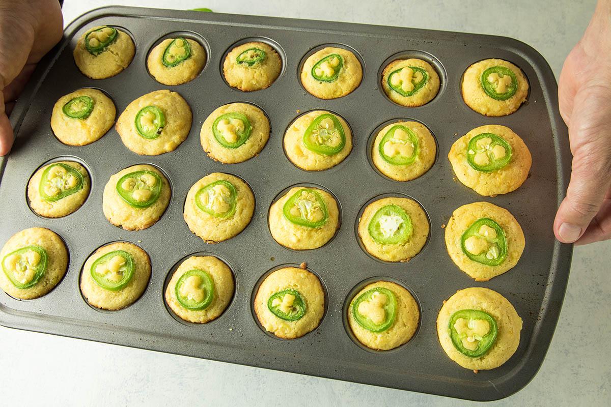 Cheesy Jalapeno Popper Cornbread Muffins – Recipe