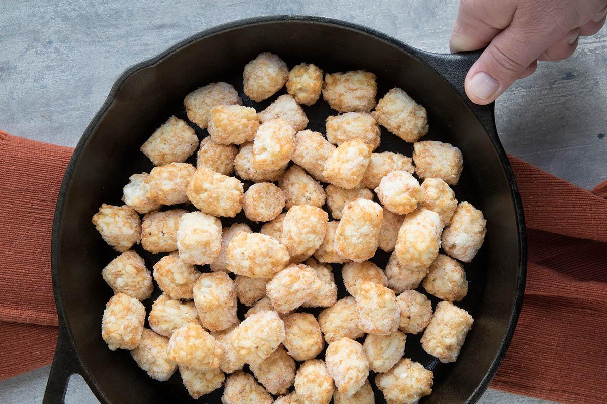 Easy Cheesy Game Day Totchos (Tater Tot Nachos) – Recipe
