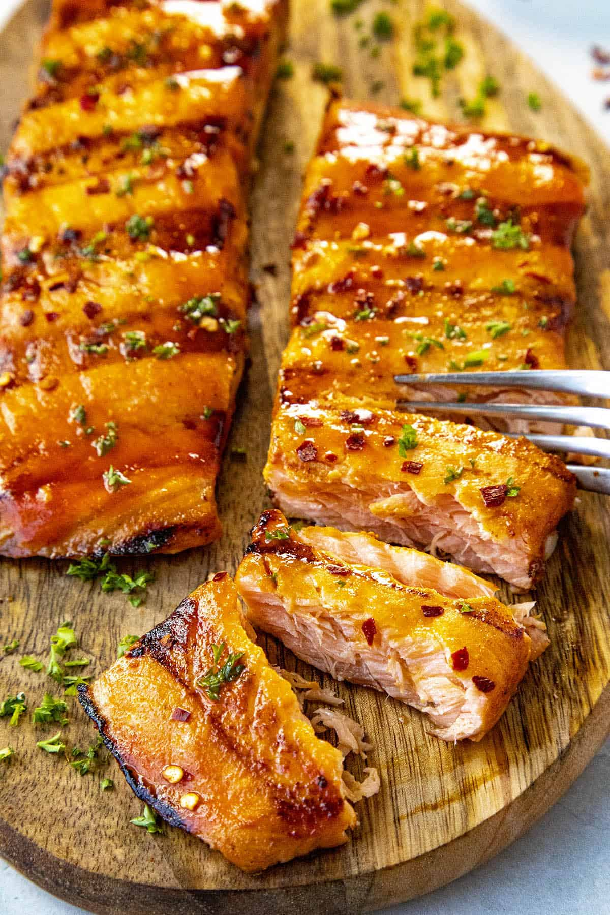 Grilled Salmon with Honey-Sriracha Sauce